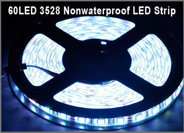 China Nicht-wasserdichter LED-Streifen 5M 60Leds/m 3528 Band-Partei-Dekorations-Lampen SMD weiße flexible Licht-LED usine